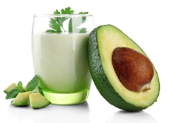 Коктейли из авокадо очень питательны и полезны для здоровья