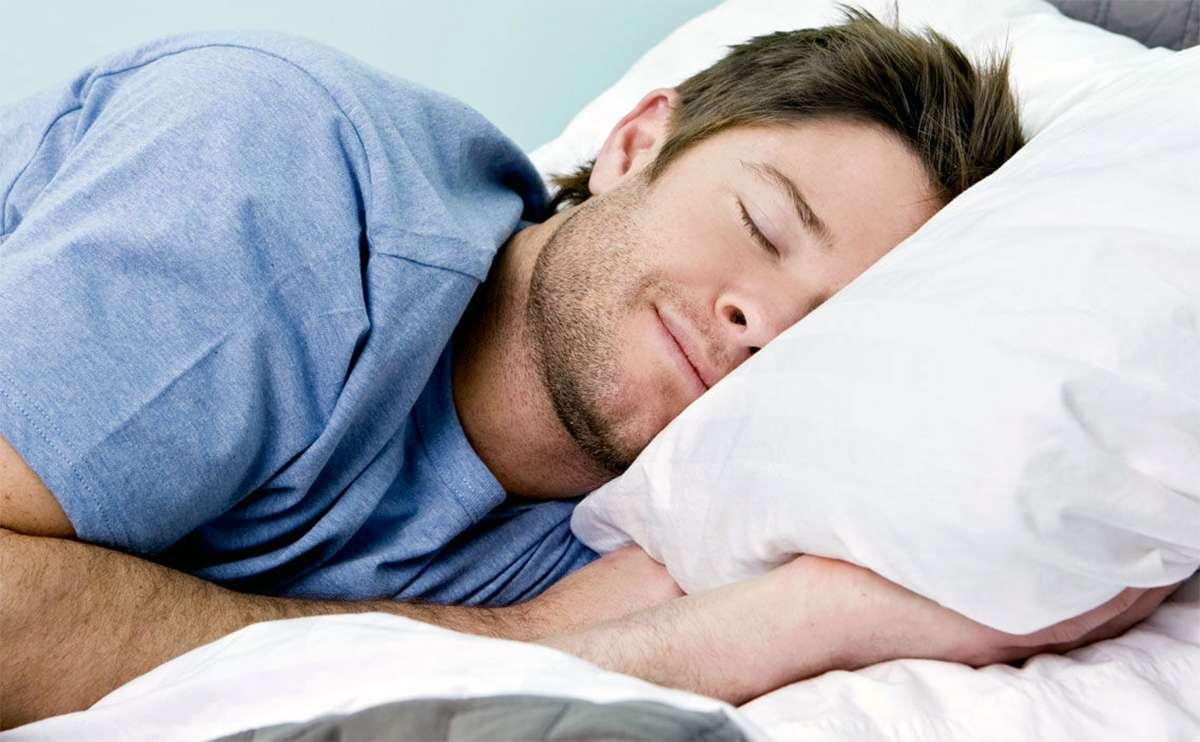Спать в ночное время не меньше, чем 8 часов
