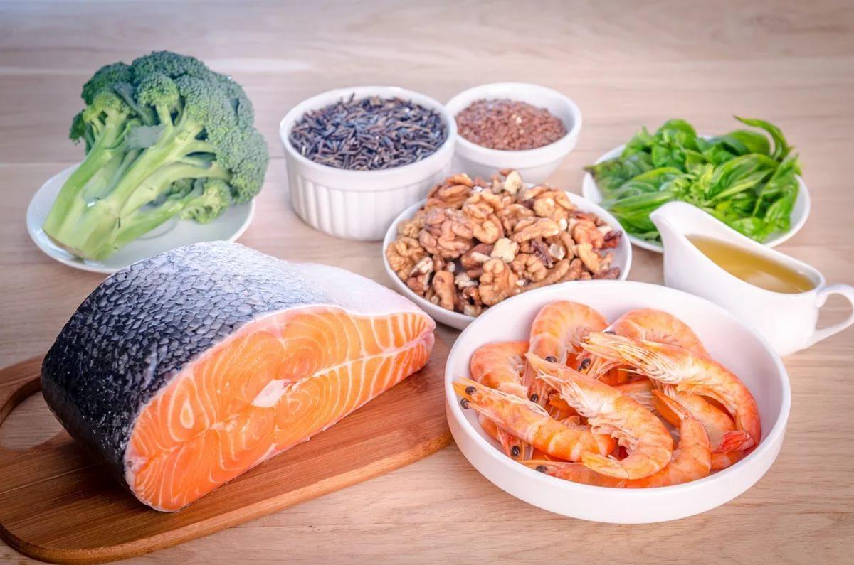 употреблять рыбу, приготовленную на пару или же методом запекания