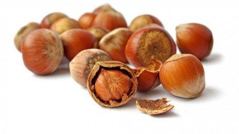 При холестерине орехи нужно использовать в качестве перекусов