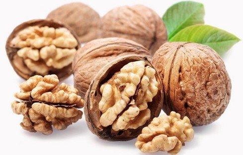 В грецких орехах есть микроэлемент йод
