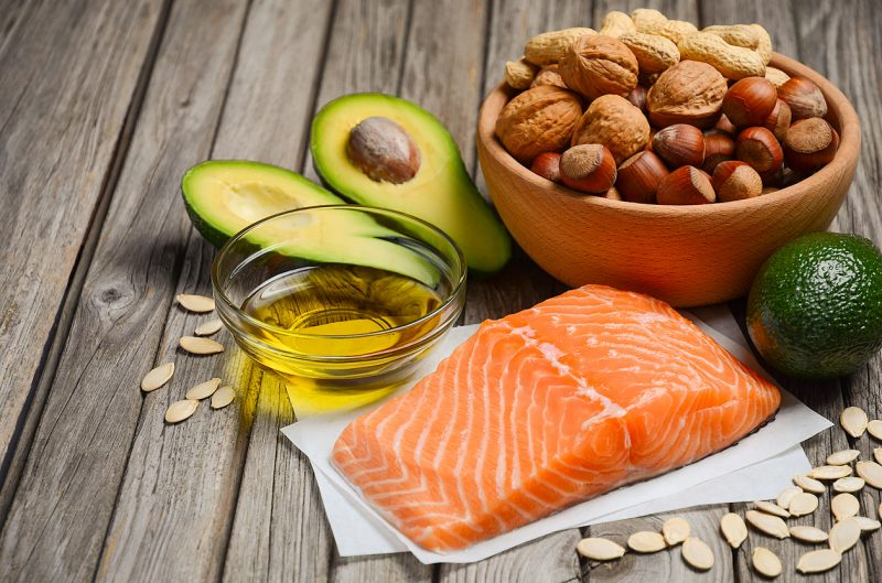 В диете применять растительные масла с полиненасыщенными жирными кислотами